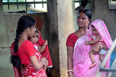 Ινδία: Θα ελέγχουν αν οι κάτοικοι πηγαίνουν στην τουαλέτα