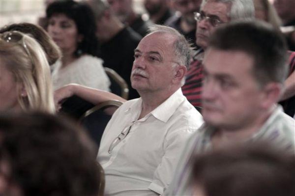 Παπαδημούλης: Αν κερδίσει ο ΣΥΡΙΖΑ θα παραμείνουμε εντός ευρώ
