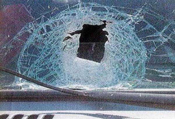 Πετροβόλησαν φορτηγό στην Καλαμπάκα