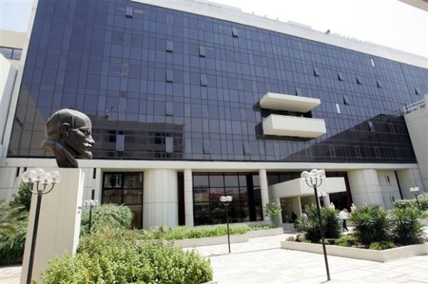 ΚΚΕ: Υπεύθυνη η κυβέρνηση για τον αποκλεισμό των 18άρηδων από τις εκλογές