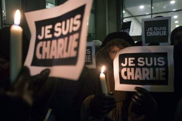 Συγκεντρώσεις για το Charlie Hebdo σε Αθήνα και Θεσσαλονίκη
