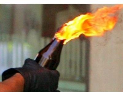 Επίθεση με μολότοφ στη Χαριλάου Τρικούπη