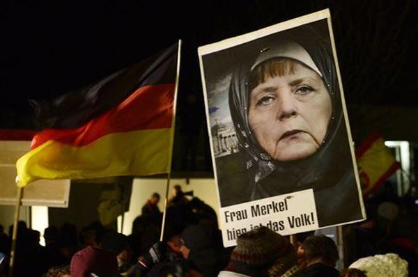 Χιλιάδες στους δρόμους της Γερμανίας υπέρ αλλά και κατά της Pegida