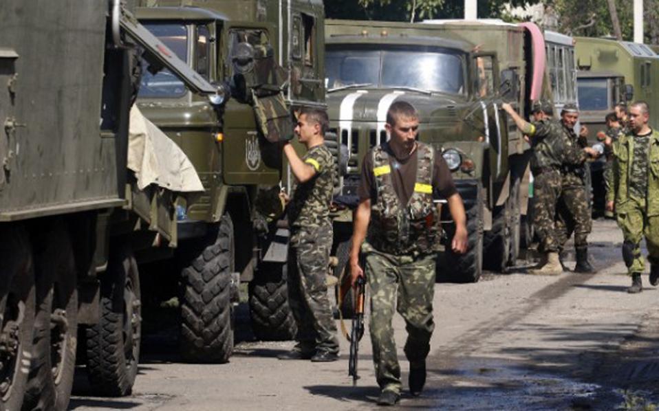 Ουκρανία: Τουλάχιστον 10 νεκροί από ρουκέτα σε λεωφορείο