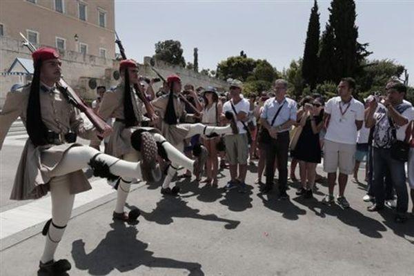Σχεδόν 21 εκατ. τουρίστες στην Ελλάδα στο εννεάμηνο