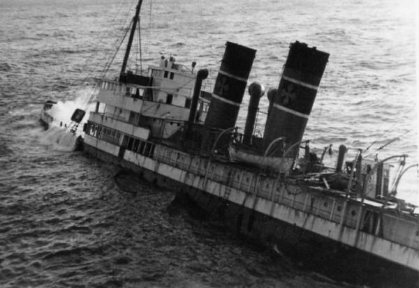 Γρηγόρης Καρταπάνης: Ναυάγια πλοίων της ακτοπλοΐας - (μέρος Β')