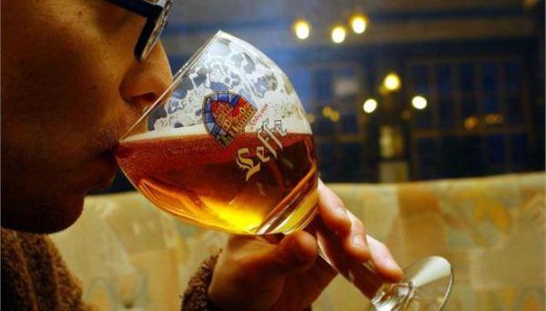 Το λίγο αλκοόλ καλύτερο από το καθόλου αλκοόλ