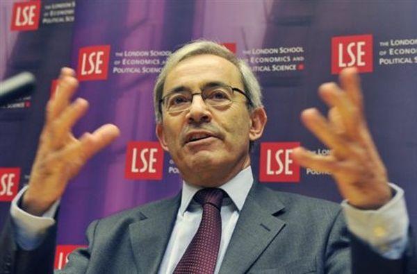 Ελάφρυνση του ελληνικού χρέους ζητούν μέσω των FT διάσημοι οικονομολόγοι