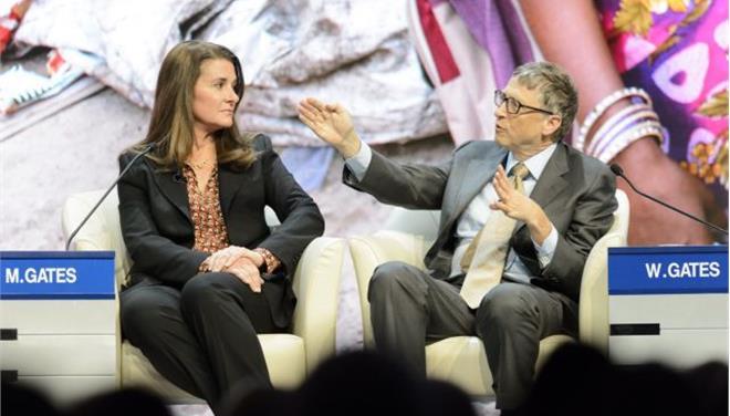 Μπιλ Γκέιτς: «Εως το 2030 το εμβόλιο κατά του AIDS»