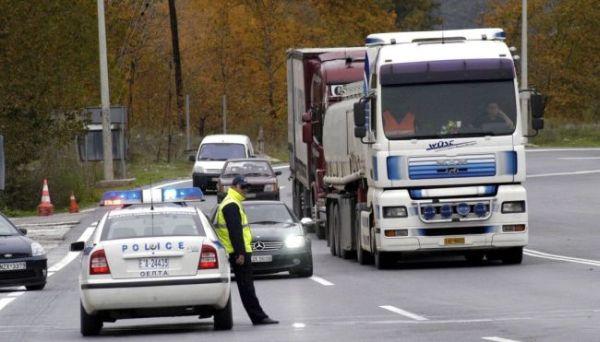 Φορτηγά - «κίνδυνος» κινούνται στους δρόμους