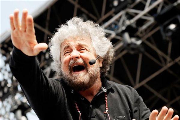 Ιταλία: Κοινοβουλευτικοί εγκαταλείπουν το Κίνημα 5 Αστέρων του Γκρίλο