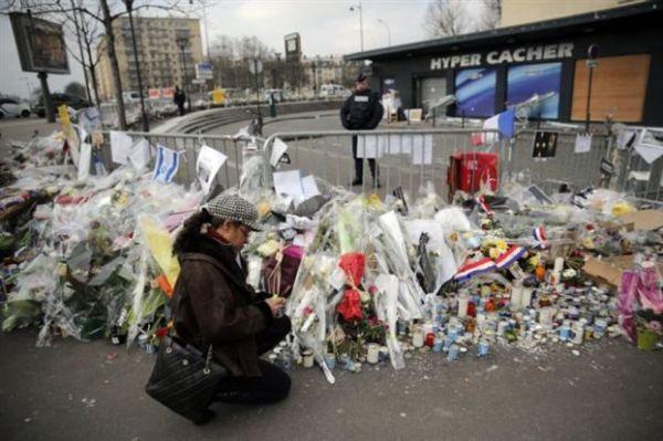 Λιγότεροι τουρίστες στο Παρίσι μετά το μακελειό στο «Charlie Hebdo»