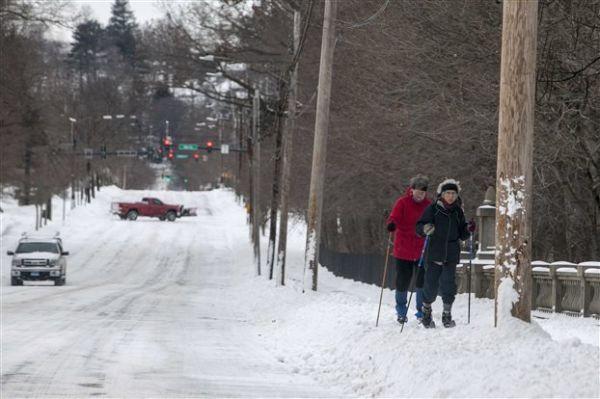 Νέα Υόρκη: Η χιονοθύελλα Τζούνο δεν ήταν τόσο ισχυρή όσο αναμενόταν