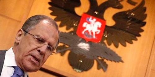 Ο Λαβρόφ καλεί τον έλληνα ΥΠΕΞ να επισκεφθεί τη Μόσχα