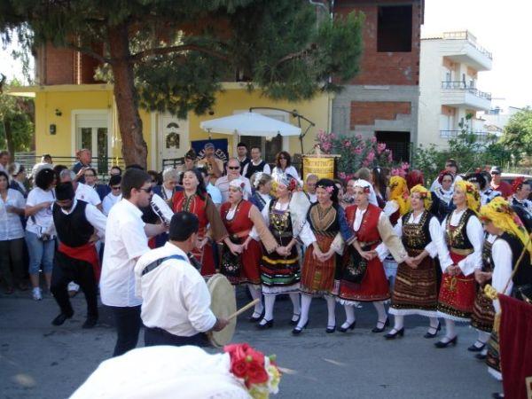 Πλούσια χορευτική παράδοση