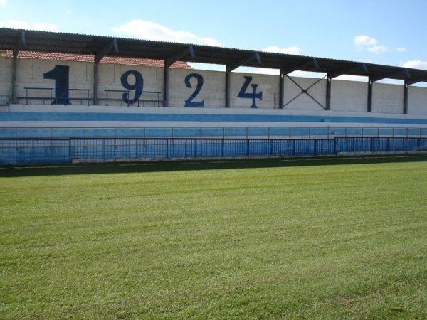«Πλάτη» για το γήπεδο