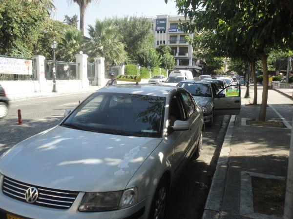 Υπεράριθμος… σε ταξί ο Βόλος