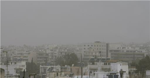 Πνιγμένη στην αφρικανική σκόνη η Αθήνα