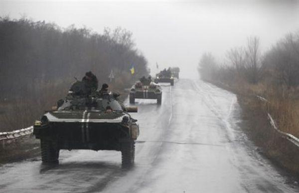 Οι ΗΠΑ εξετάζουν αποστολή στρατιωτικού εξοπλισμού στην Ουκρανία