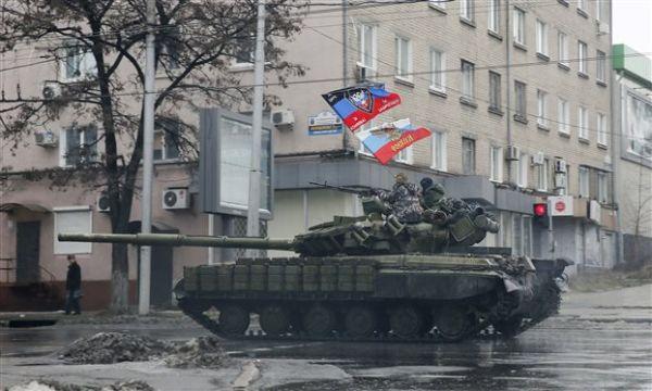 «Βράζει» η Ουκρανία: Οι φιλορώσοι επιστρατεύουν 100.000 άνδρες