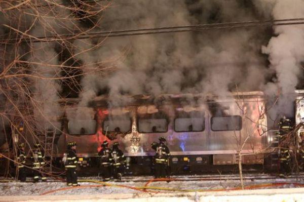 Νέα Υόρκη: Επτά νεκροί, 12 τραυματίες σε σύγκρουση τρένου με Ι.Χ.