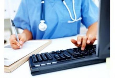 Ταλαιπωρία για γιατρούς, ασθενείς ~ Με προβλήματα η ηλεκτρονική συνταγογράφηση