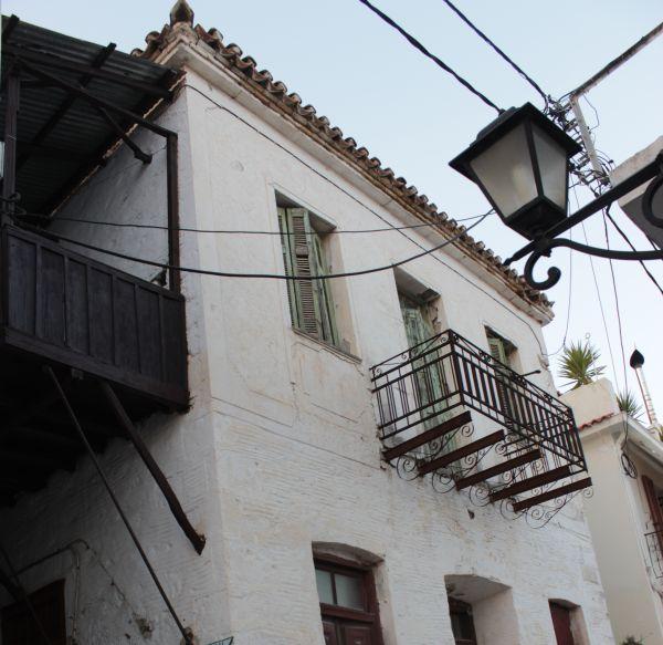 Διάσωση αρχιτεκτονικών θησαυρών στο νησί του Παπαδιαμάντη
