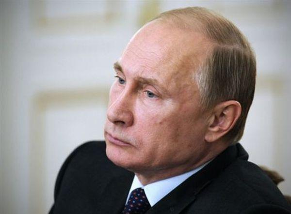 Ο Τσίπρας στη Μόσχα στις 9 Μαΐου, μετά από τηλεφωνική συνομιλία με τον Πούτιν
