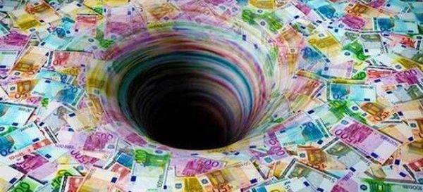 Τρύπιος κουμπαράς τα δημοτικά ταμεία
