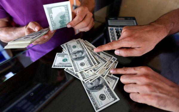 Συνελήφθη γιατί πλήρωσε τους φόρους του σε χαρτονομίσματα του 1$