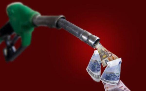 Μπόνους στους ελεγκτές επί των προστίμων για λαθρεμπόριο καυσίμων εξετάζεται