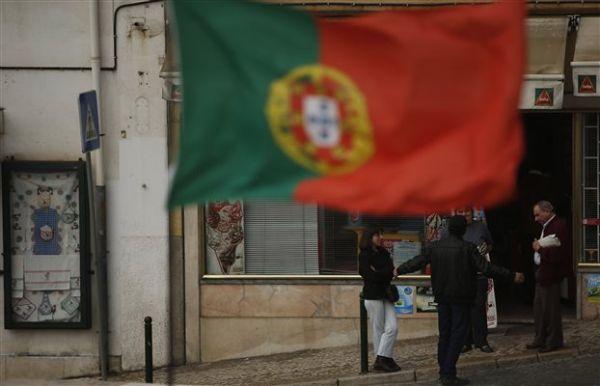 Πορτογαλία: 32 προσωπικότητες ζητούν από τον Κοέλιου να στηρίξει την Ελλάδα