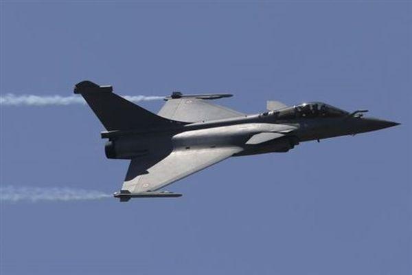 «Συμφωνία» Γαλλίας-Αιγύπτου για την πώληση 24 μαχητικών Rafale