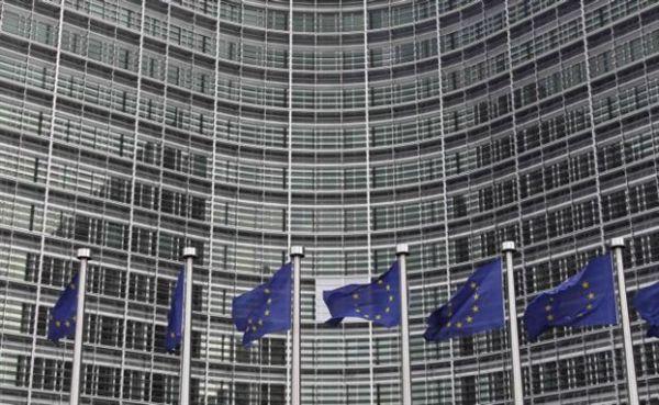 Βρυξέλλες: Η παράταση δεν είναι αναγκαία εάν υπάρξει νέο πρόγραμμα