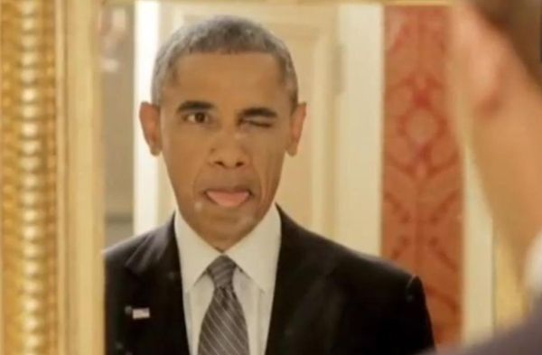 Αστείο βίντεο του Ομπάμα να βγάζει selfie