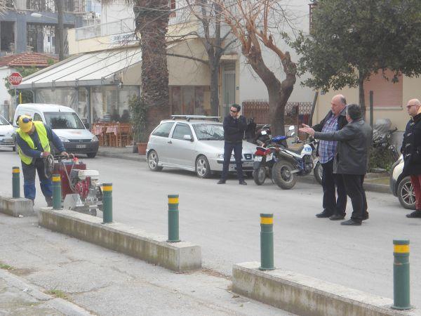 Ξηλώνονται οι ποδηλατόδρομοι ~ Στα σκουπίδια έργο που κόστισε 1 εκ. ευρώ
