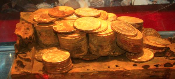 Βρήκε 21 τόνους χρυσού σε ναυάγιο, αλλά δεν τα χάρηκε [εικόνες]