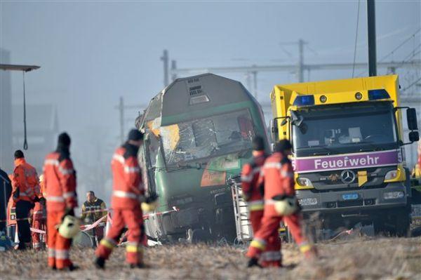 Ελβετία: Σύγκρουση δύο τρένων βόρεια της Ζυρίχης