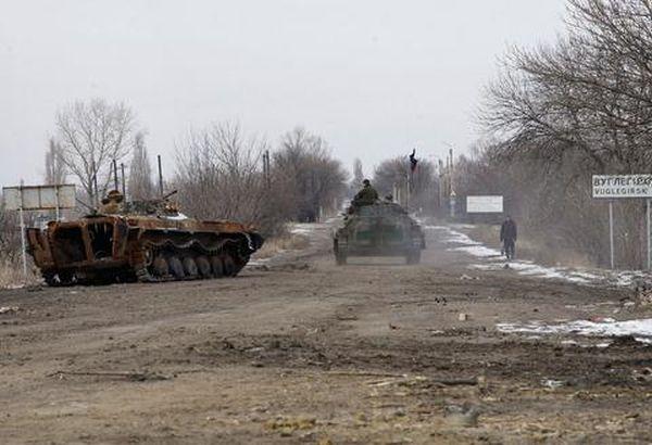 Στα «χαρτιά» η εκεχειρία - Νέες μάχες στην ανατολική Ουκρανία