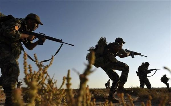 Μακελειό σε τριπλή βομβιστική επίθεση στην ανατολική Λιβύη
