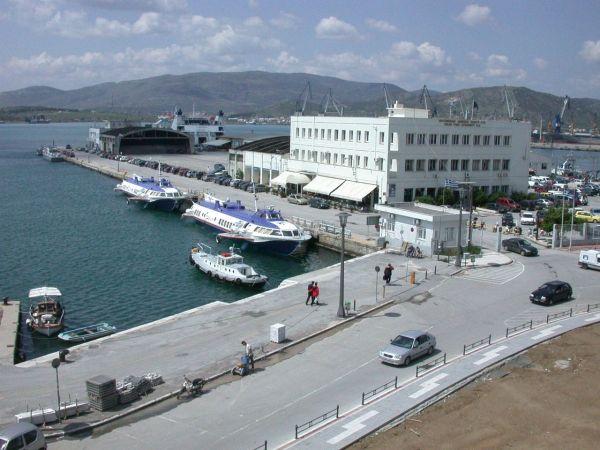 «Διαζύγιο» στο λιμάνι του Βόλου μεταξύ εμπορικών και επιβατικών δραστηριοτήτων