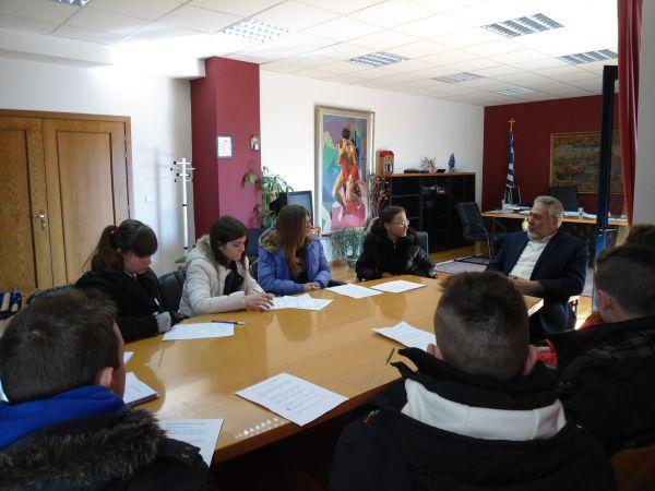 Συνέντευξη για τη λιμνοδεξαμενή Ξηριά πήραν μαθητές από το δήμαρχο Αλμυρού