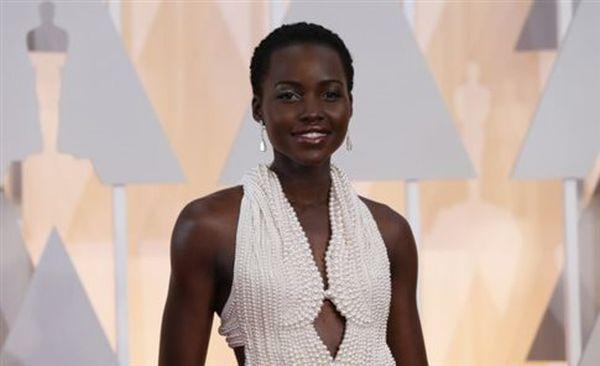 Εκλάπη το φόρεμα της Λουπίτα Νιόνγκο με τις 6.000 πέρλες