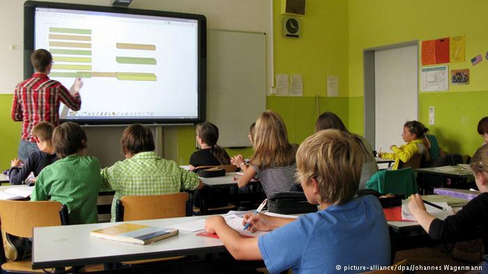 Έλληνες εκπαιδευτικοί στη Βαυαρία κατά των περικοπών