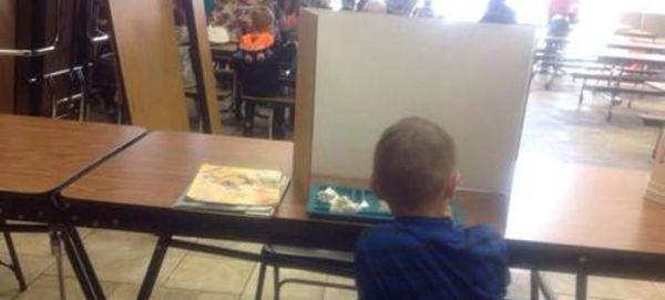 Η τιμωρία σοκ που επέβαλε σχολείο σε 6χρονο μαθητή [εικόνα]