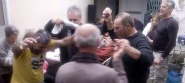 Βίντεο που «τα σπάει»: Το σκληρό ροκ χορεύεται και... τσάμικο [βίντεο]