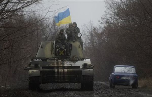 To Κίεβο μεγαλώνει τον στρατό, η Μόσχα «ανησυχεί» για τα περί όπλων από ΗΠΑ