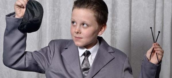 11χρονος ντύθηκε «50 αποχρώσεις του Γκρι» -Τον έδιωξαν από το πάρτι [εικόνες]