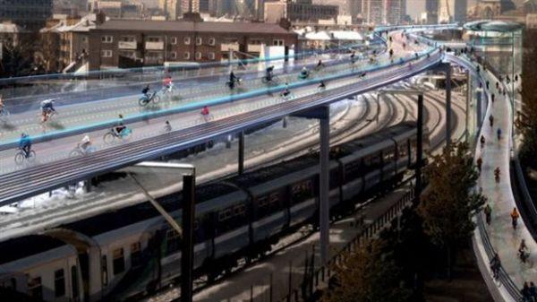 Λονδίνο: Υπερλεωφόροι για ποδήλατα δίπλα στον Τάμεση