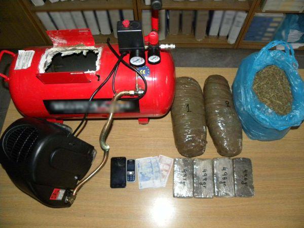Δύο κιλά ηρωίνης και 3,7 κιλά κάνναβης μετέφερε σε κομπρεσέρ Ιρακινός